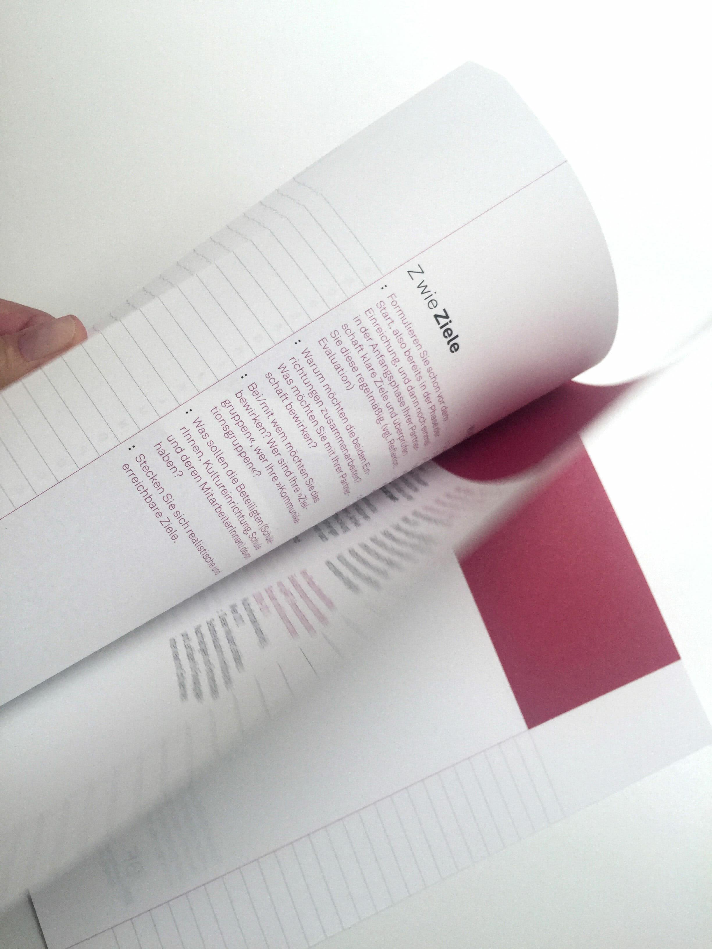 : Broschüre